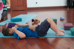 past-tense-yoga-studio-kids-yoga-2